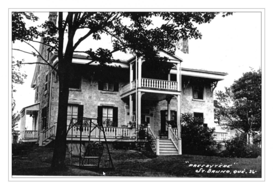ancienne photo du vieux-presbytère