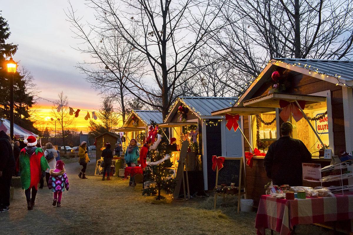 Féerie au Lac du Village - Marché de Noël. Crédit : Marie-Josée Bertrand