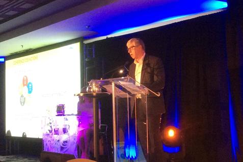 La politique ville nourricière présentée par le maire Martin Murray au Sommet municipal Résilience Climat de l'UMQ